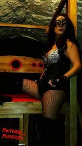 South Wales Mistress Poshtotti