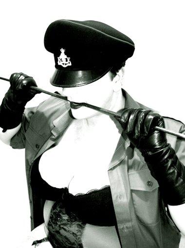 West Midlands Mistress Legartha